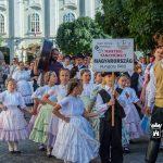 Csak azért is: néptáncos felvonulás a belvárosban